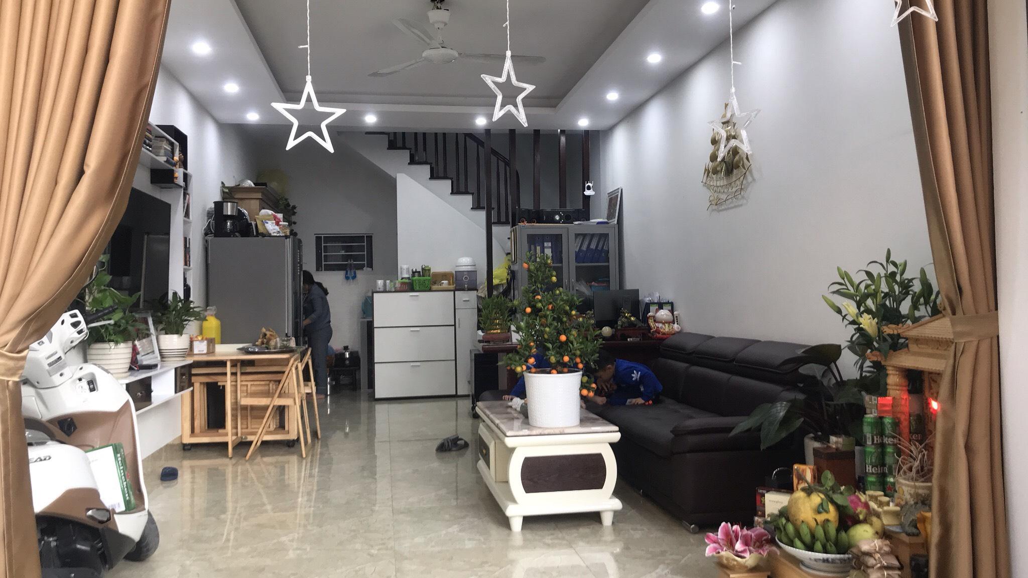 Chính chủ bán nhà tại ngõ 318/70 Ngọc Trì, thạch Bàn, Long Biên DT35.5m2x4 tầng Giá 2.75 tỷ
