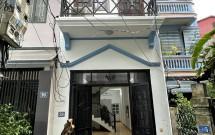 Chính chủ Bán nhà ngõ 366 Ngọc Lâm, Long Biên DT 56.5m2x3 tầng Giá 4.3 tỷ LH 0913160781