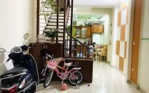 Chính chủ bán nhà riêng tại ngõ 210 Hoàng Quốc Việt, Cầu Giấy DT sử dụng 43m2x5 tầng = 215m2 Giá 5.5 tỷ LH 0346198310