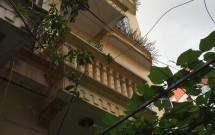 Chính chủ Cho thuê nhà 5 tầng tại ngõ 218 Lạc Long Quân, Tây Hồ, DT43m2x5 tầng LH 0912267252