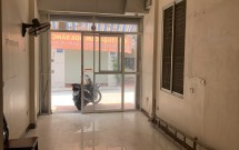 Chính chủ cho thuê nhà Mặt phố Hoa Bằng, Cầu Giấy DT46m2x4 tầng GIá 14.5 tr/th LH 0365026056