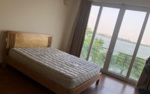 Chính chủ cho thuê nhà riêng tại 89 Vệ Hồ, Xuân La, DT 150m2/tầng giá 700USD